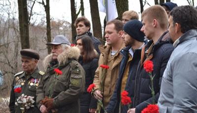 Шуховцы почтили память павших героев